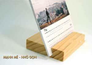 đế lịch bàn bằng gỗ